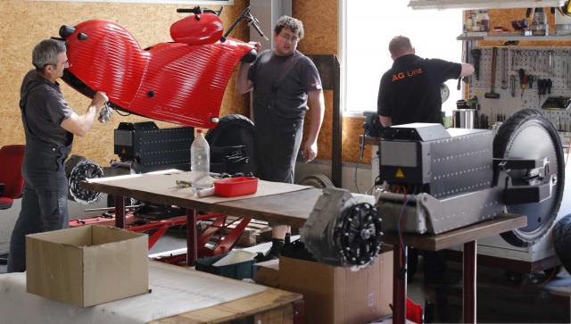 Perakitan Motor Listrik Johammer J1